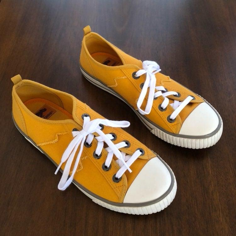 Rocket Dog Mustard Yellow Shoes Size 8.5