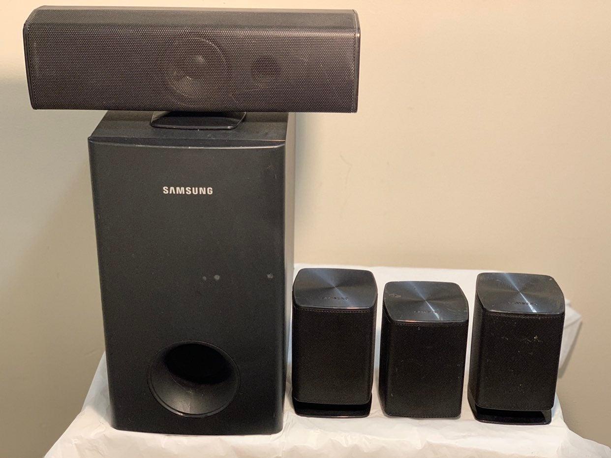 Samsung HT-Z410 4 Speaker System & Sub