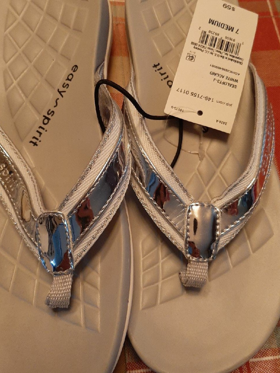 Easy spirit flip flops size7 New