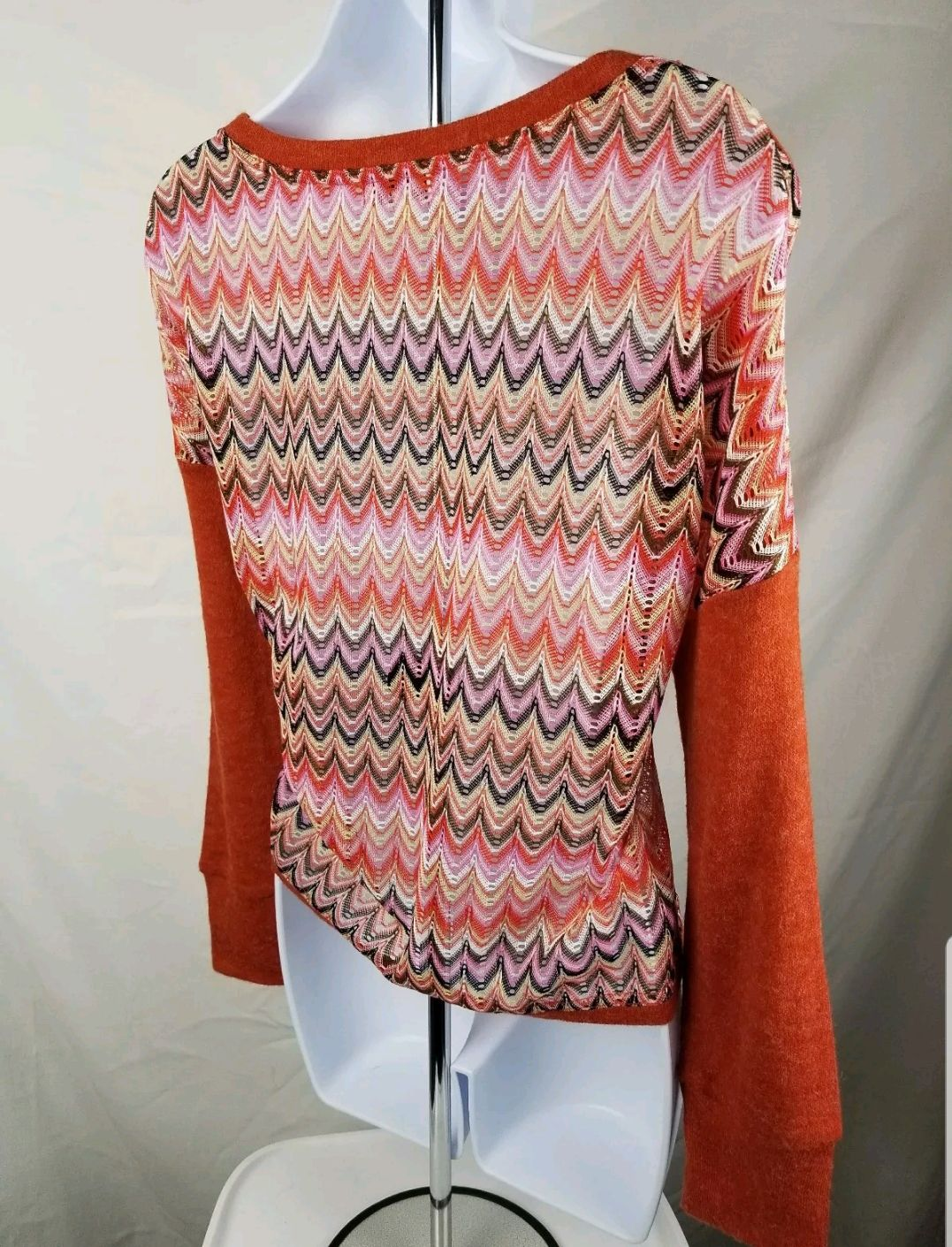 Altar'd State M Top with Scalloped Back