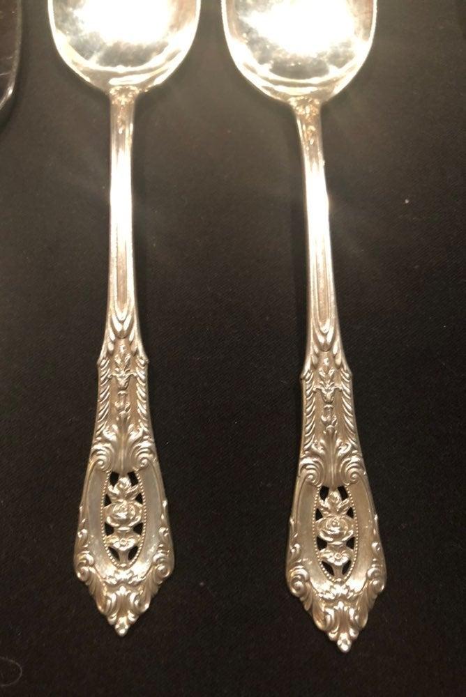 Sterling teaspoons, cheese server