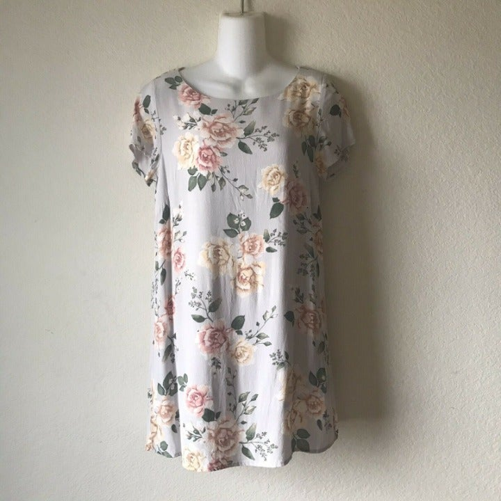 Olivaceous Woman Small Gray Floral Dress