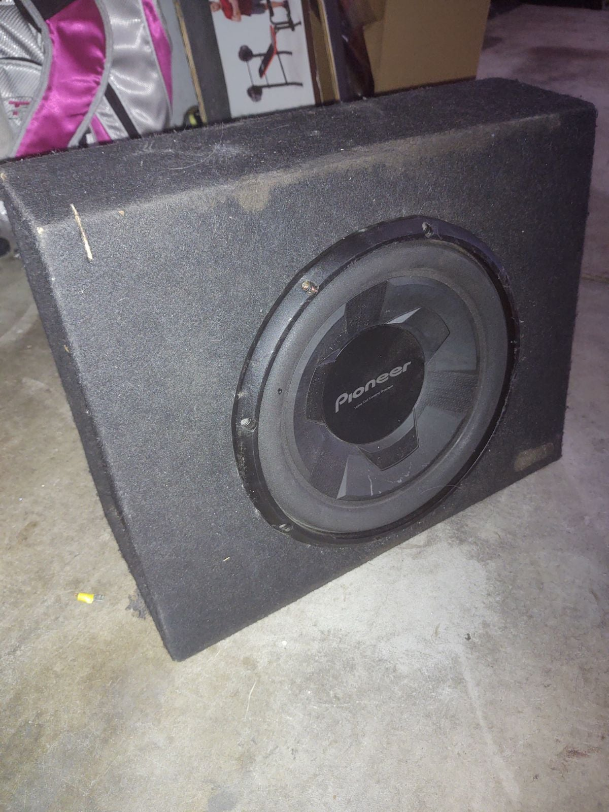 12 pioneer subwoofer in truck box