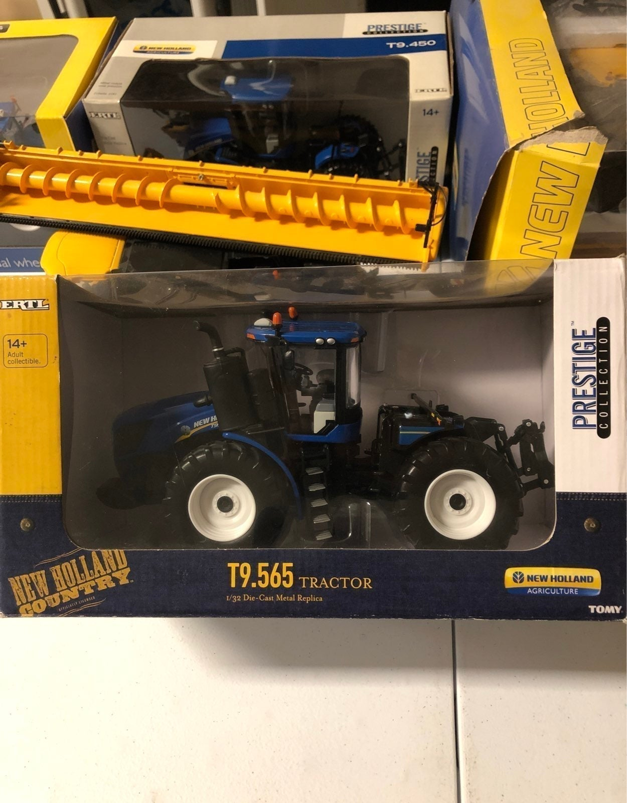 New Holland T9.565 1:32 scale