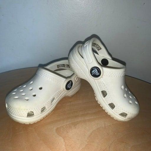 White toddler Crocs 5c
