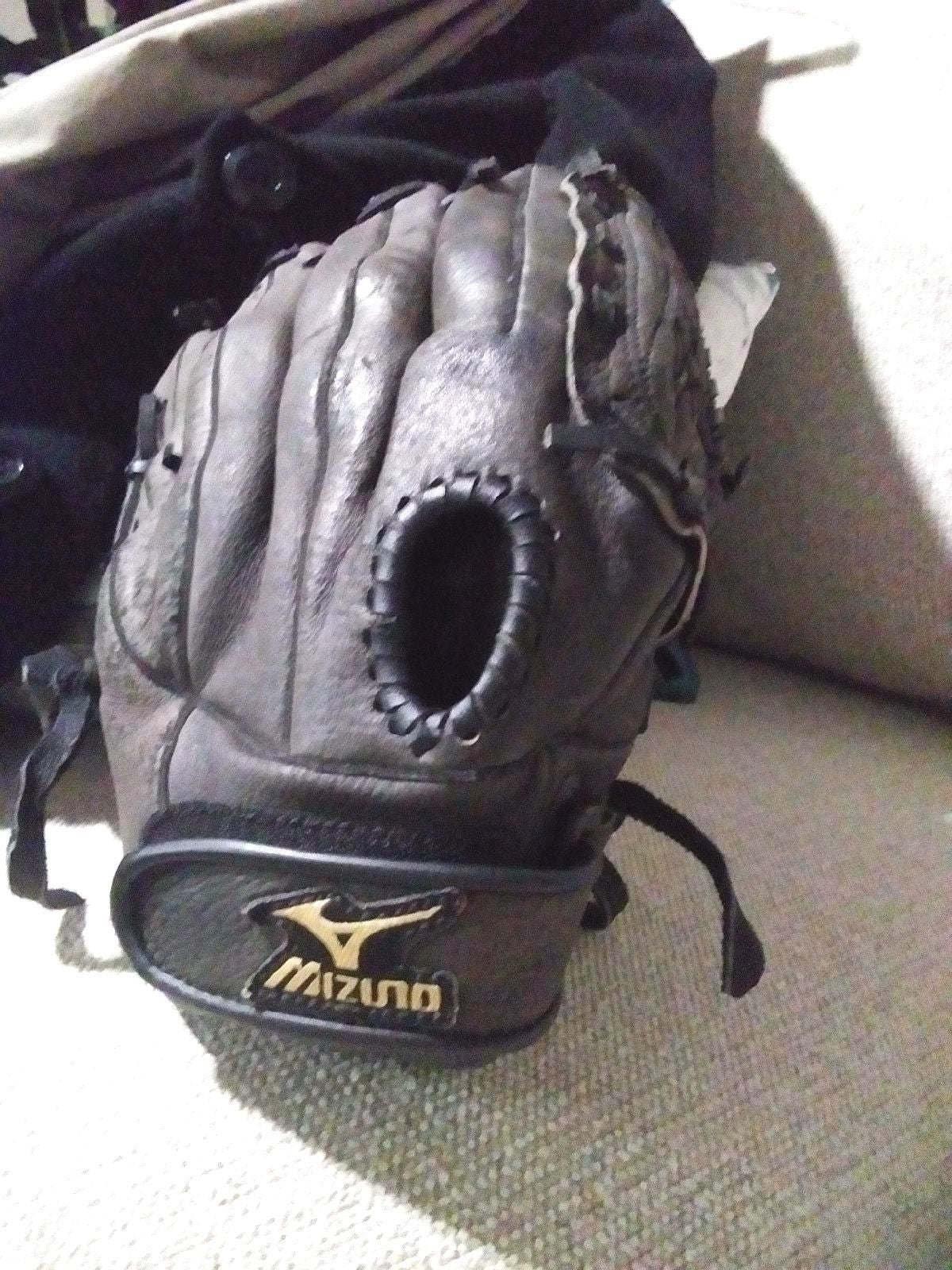 "Black Mizuno 12"" Baseball Glove"