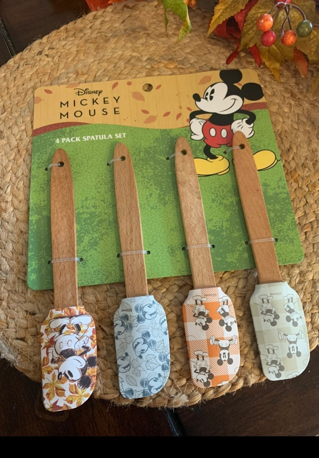 Set of 4 Mickey Fall kitchen Spatulas