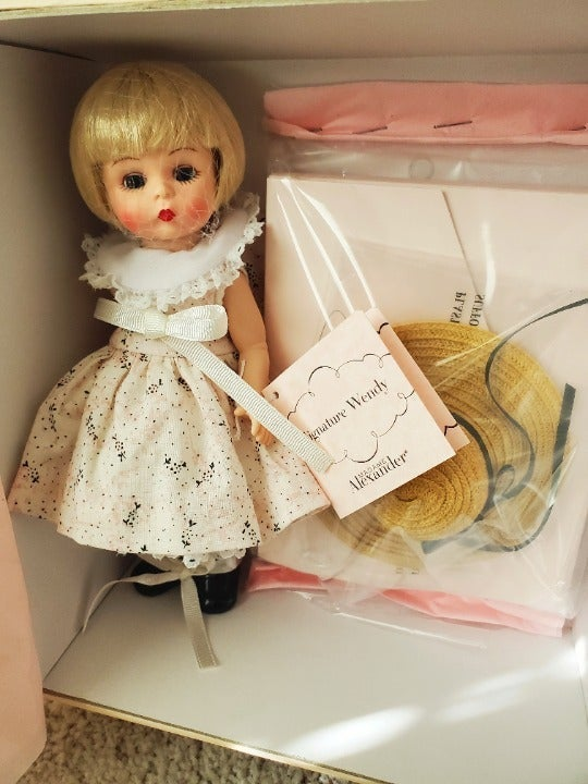 "Madame Alexander 8"" Signature Wendy Doll New"