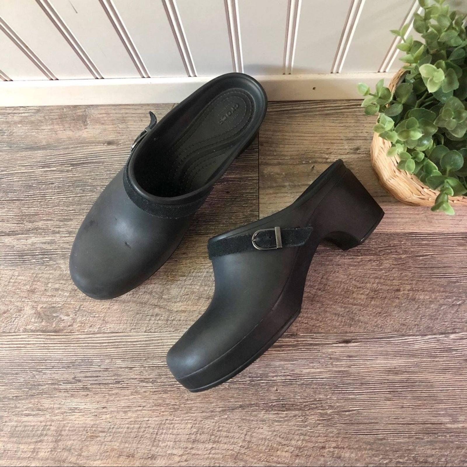 Crocs   Black Dual Comfort Clogs