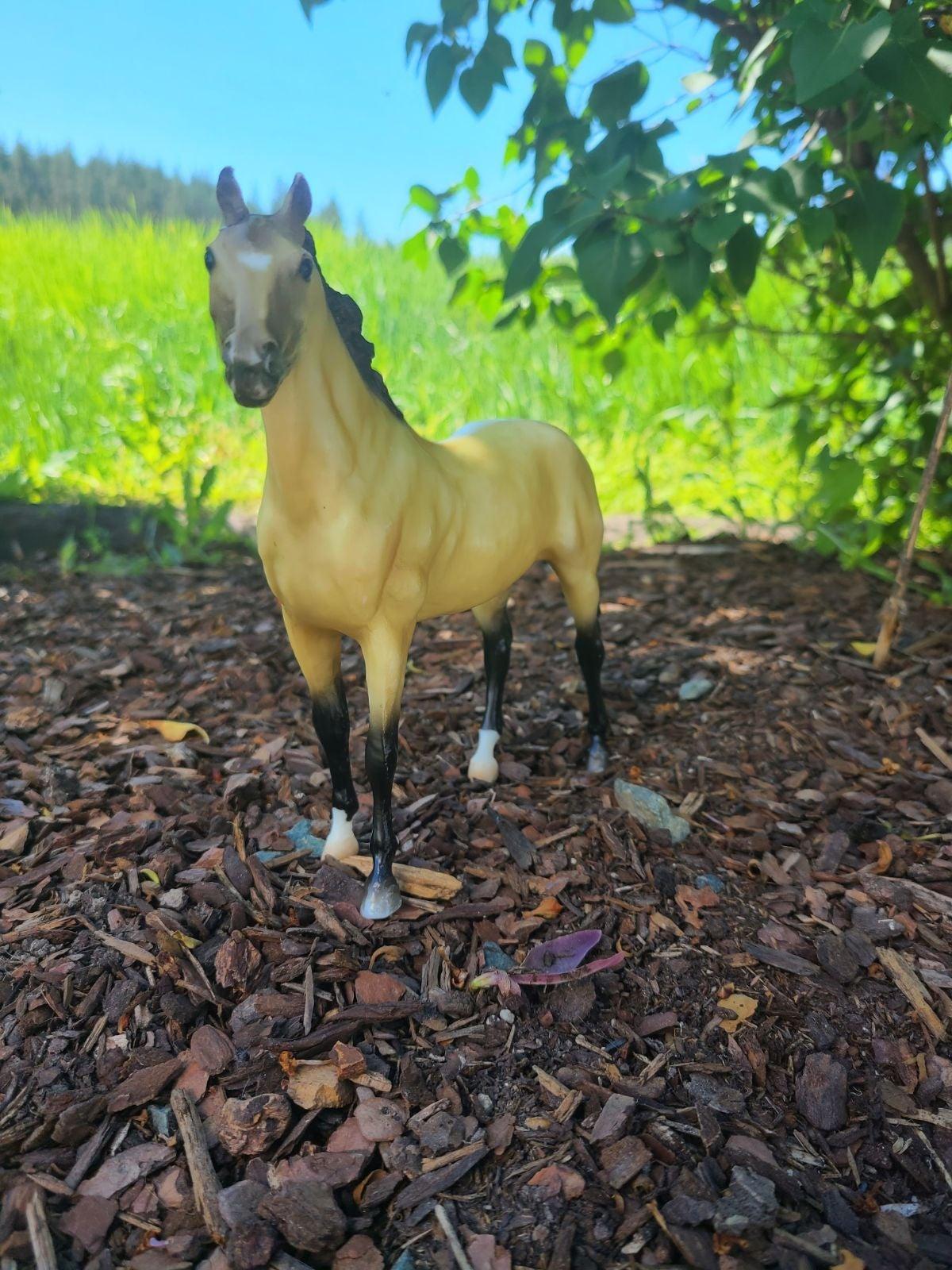 Breyer VTG Style Classic Buckskin Horse