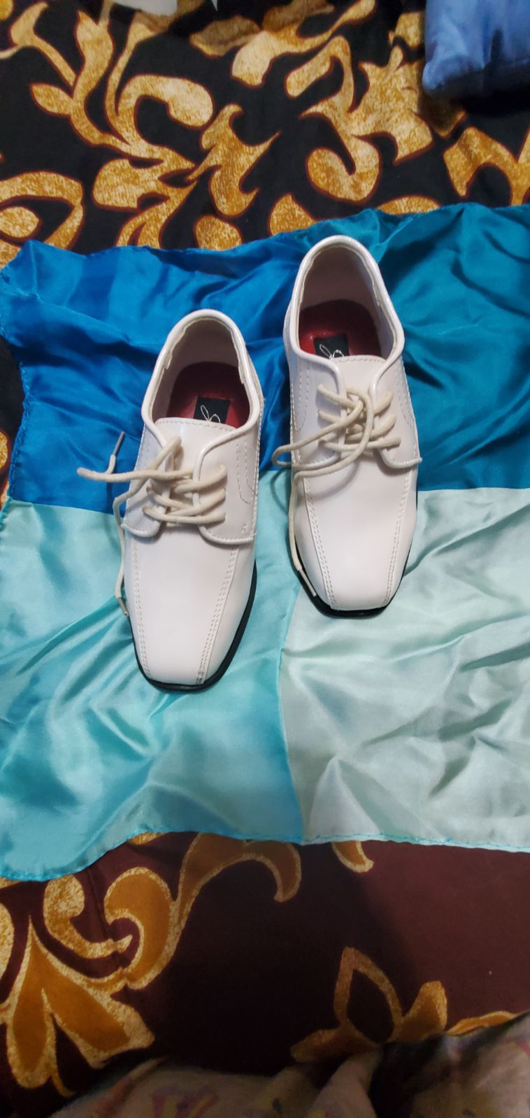 Boys Ivory patent dress shoes