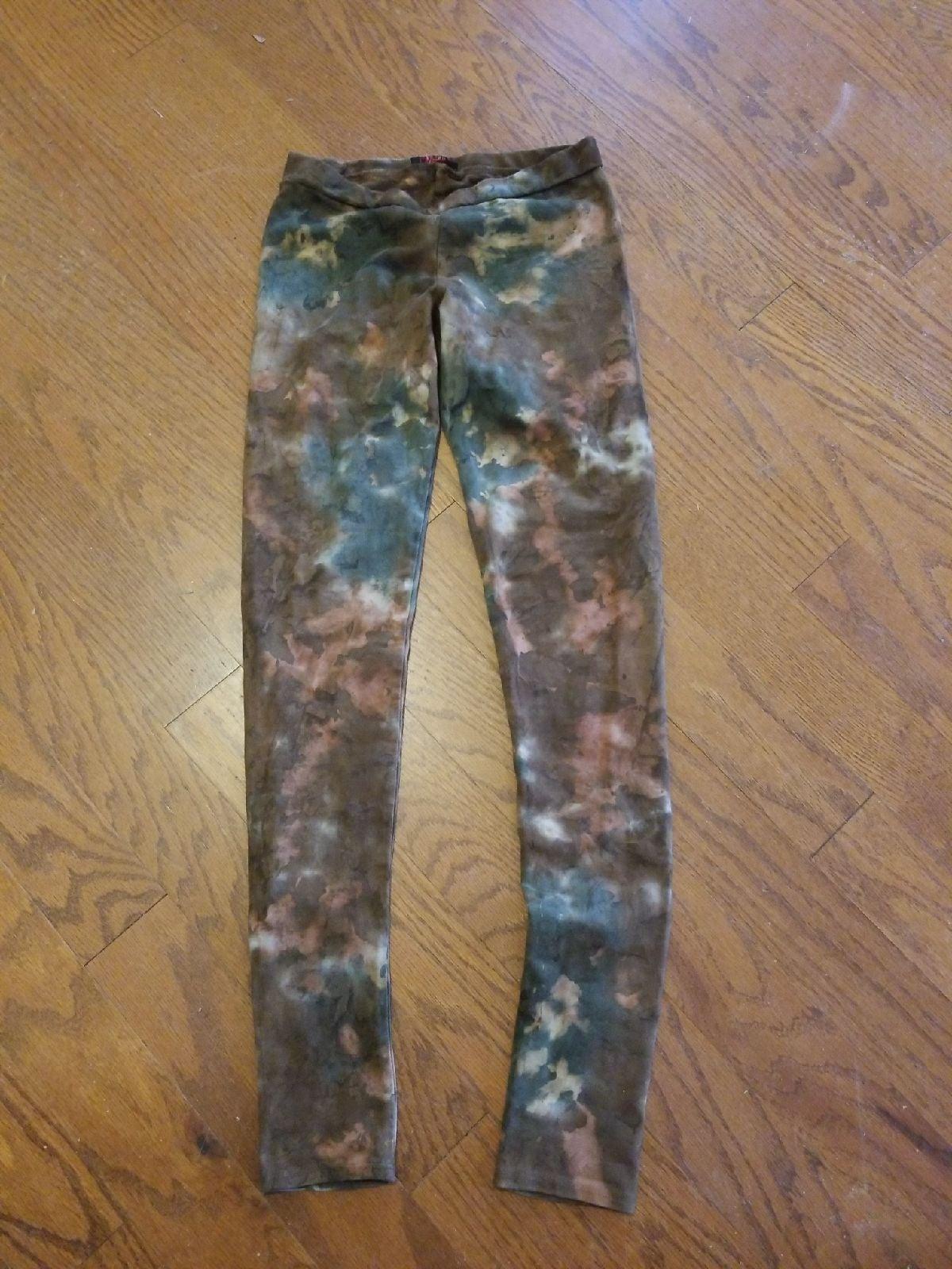 T-Party tie dye leggings