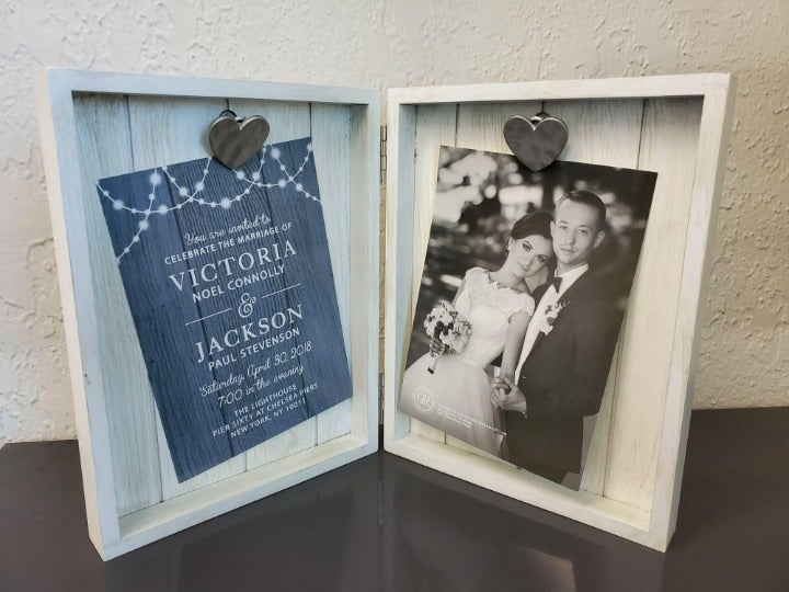 STANDING PICTURE FRAME 5×7 HEART CLIP