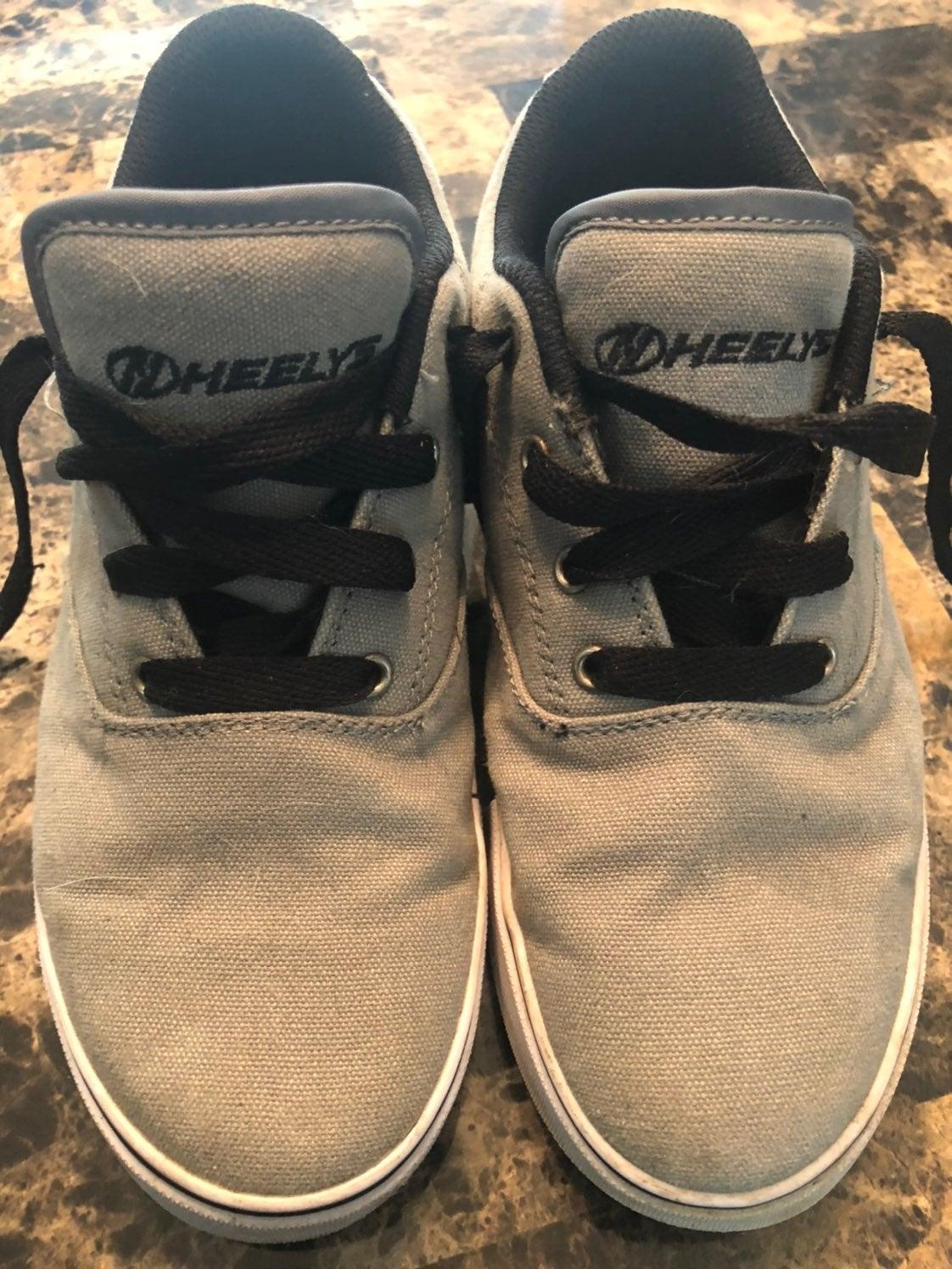 Heeleys skate shoes kids size 6