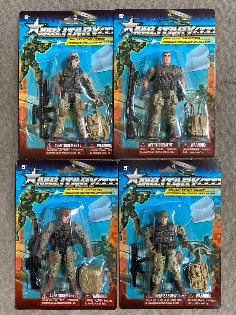 4 Military Action Figures & Weapons