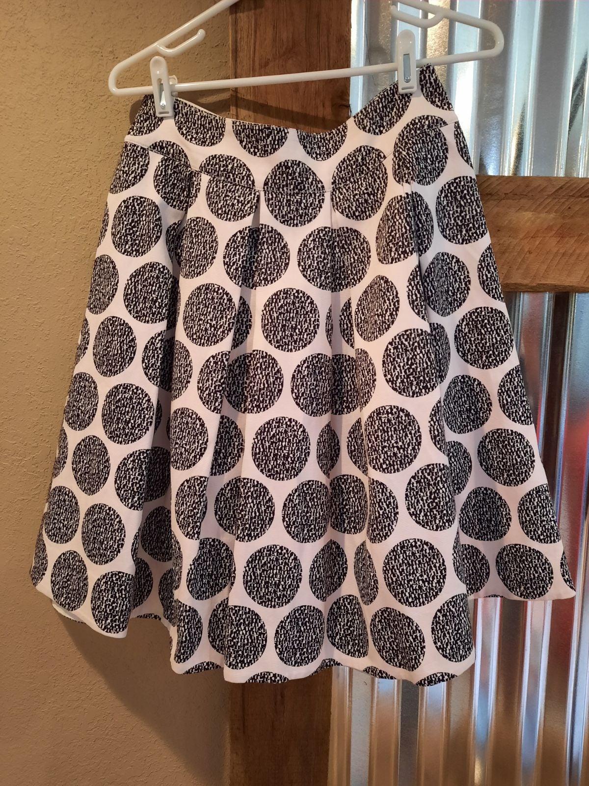 WHBM full pleat skirt 6 abstract circles