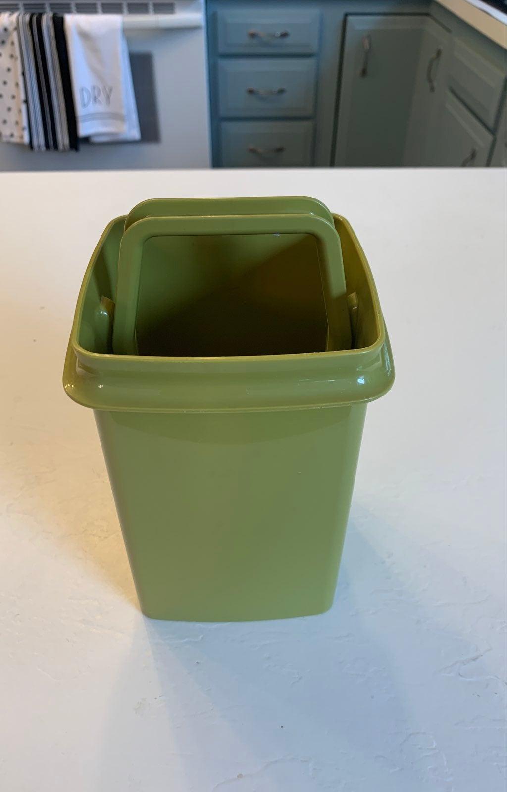 Vintage Tupperware Pick-A-Deli Pickle Ke