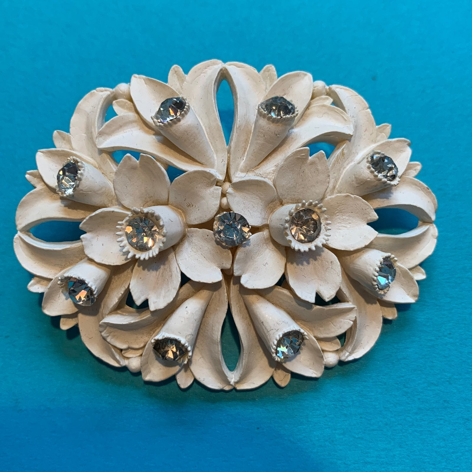 VINTAGE CARVED BROOCH RHINESTONE ACCENTS