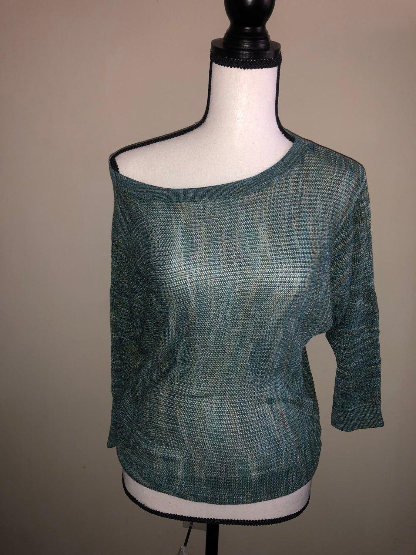 Womans DKNY Quarter sleeve shirt