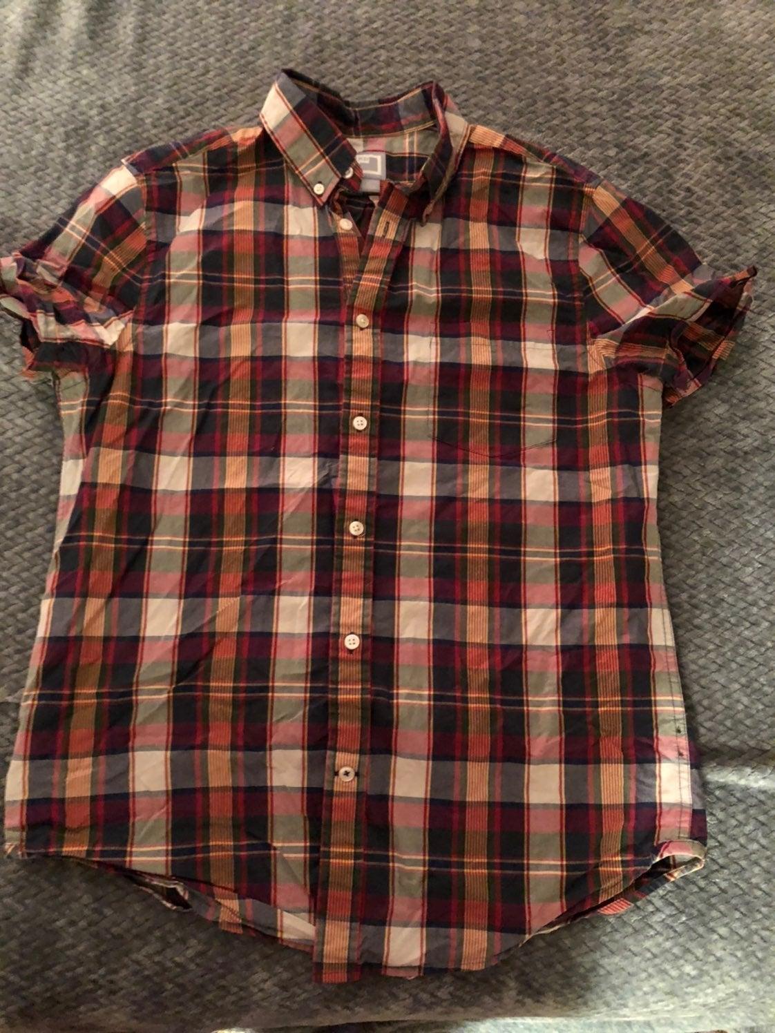 Mens button down short sleeve shirt