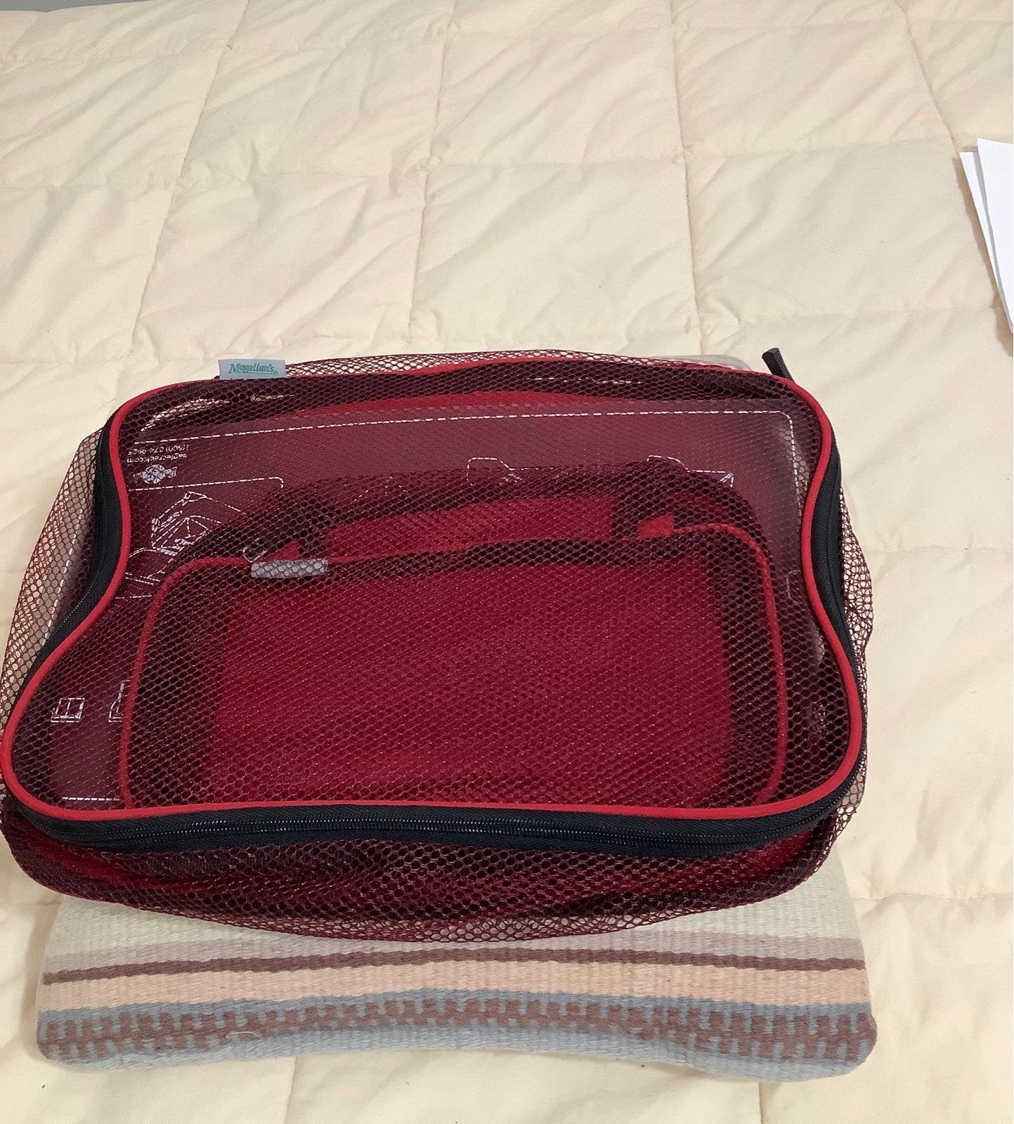 Magellan's set of 2 travel bags