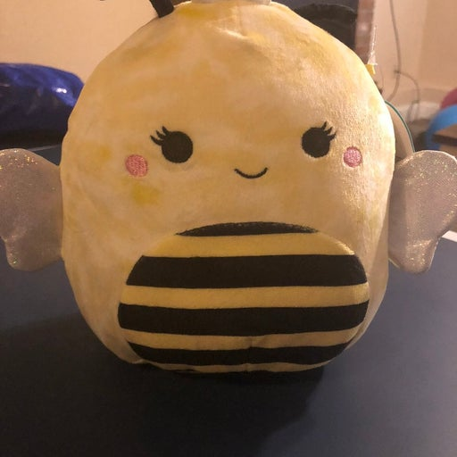 7 inch sunny bee Squishmallow defect
