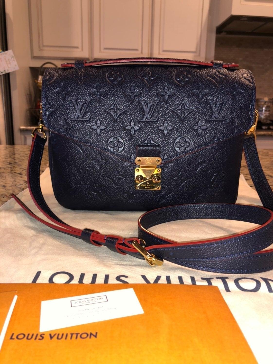 Louis Vuitton Pochette metis marine