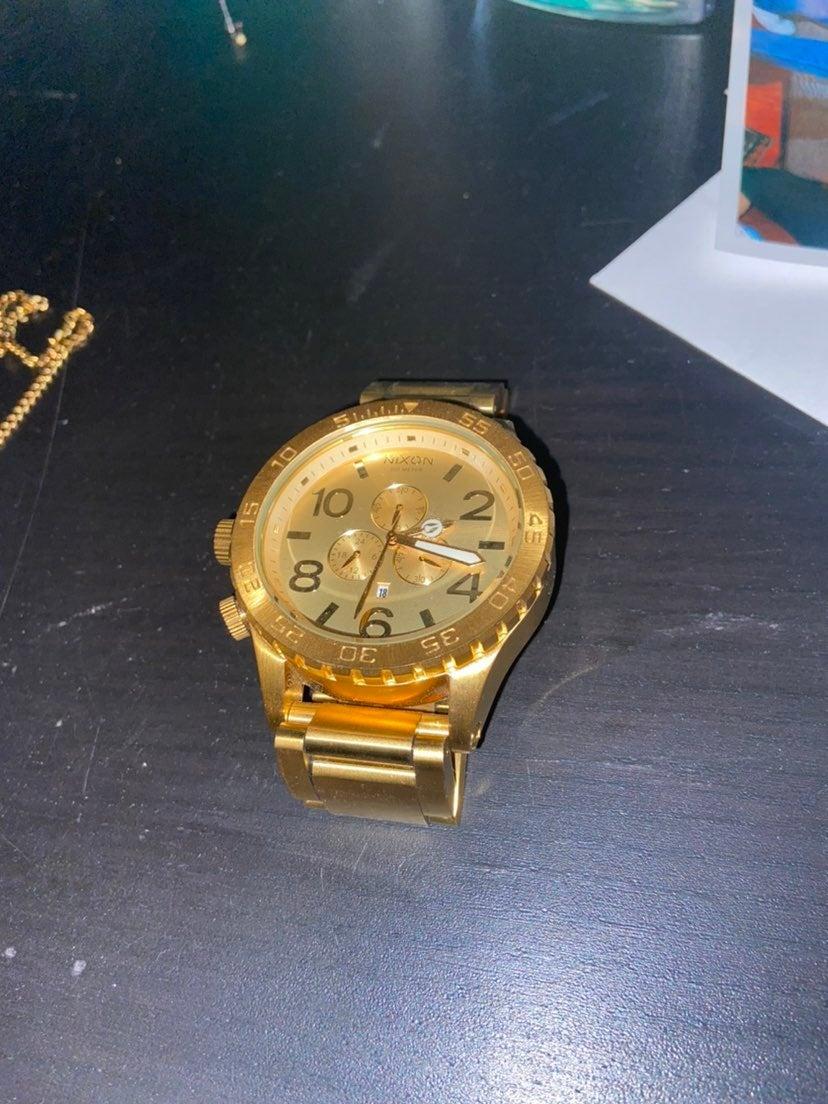 Nixon 51-30 watch gold
