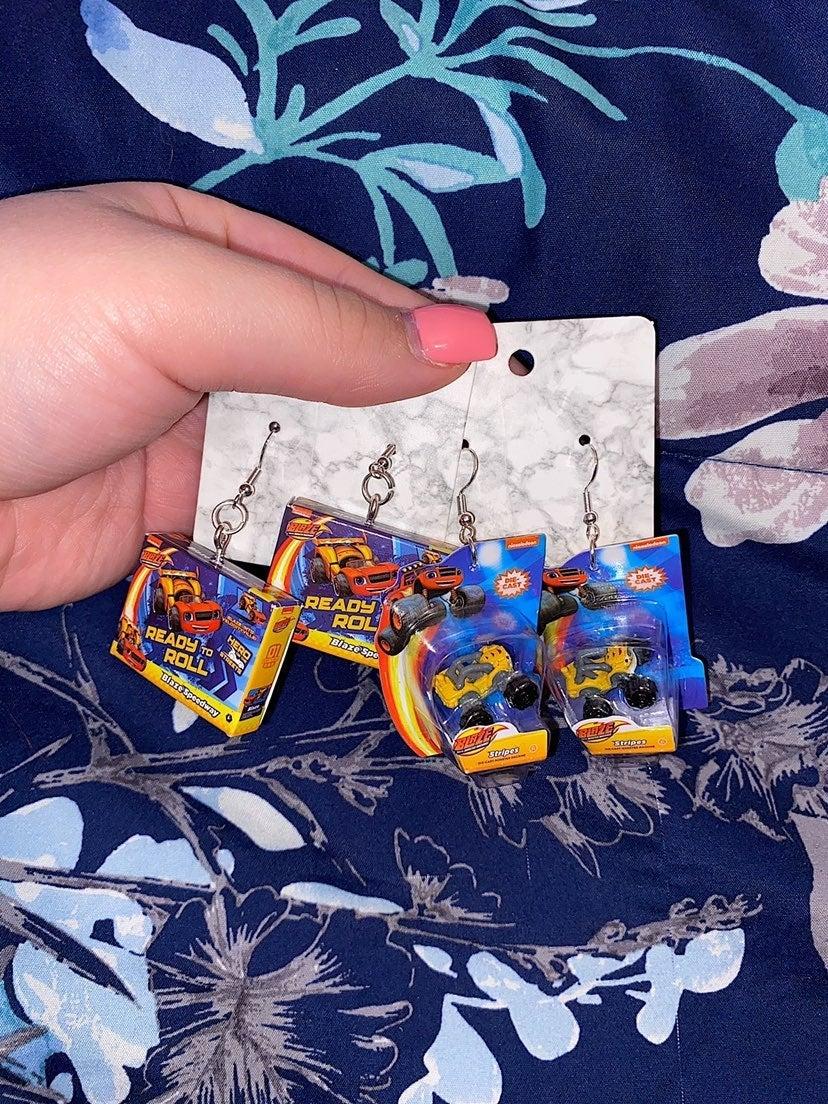 Toy Mini Brands Blaze Earrings Bundle