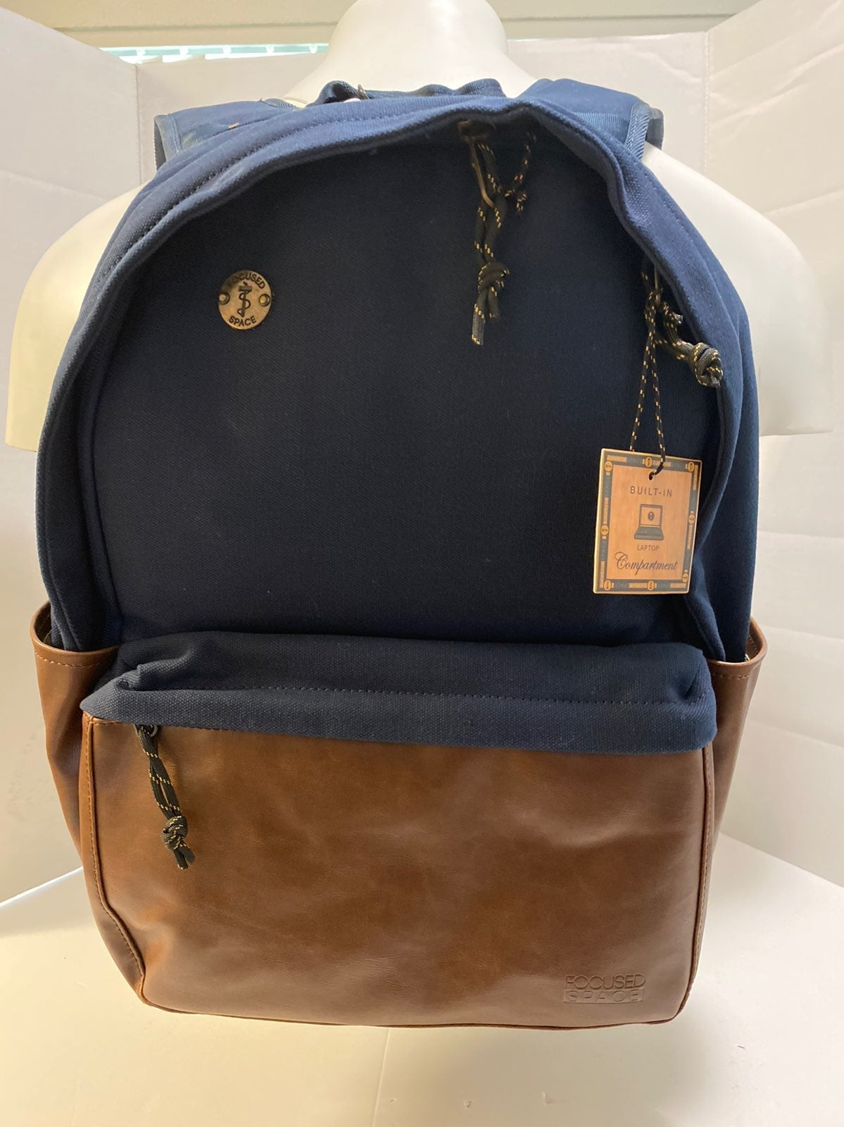 Focused Space Backpack Leater brown ipad