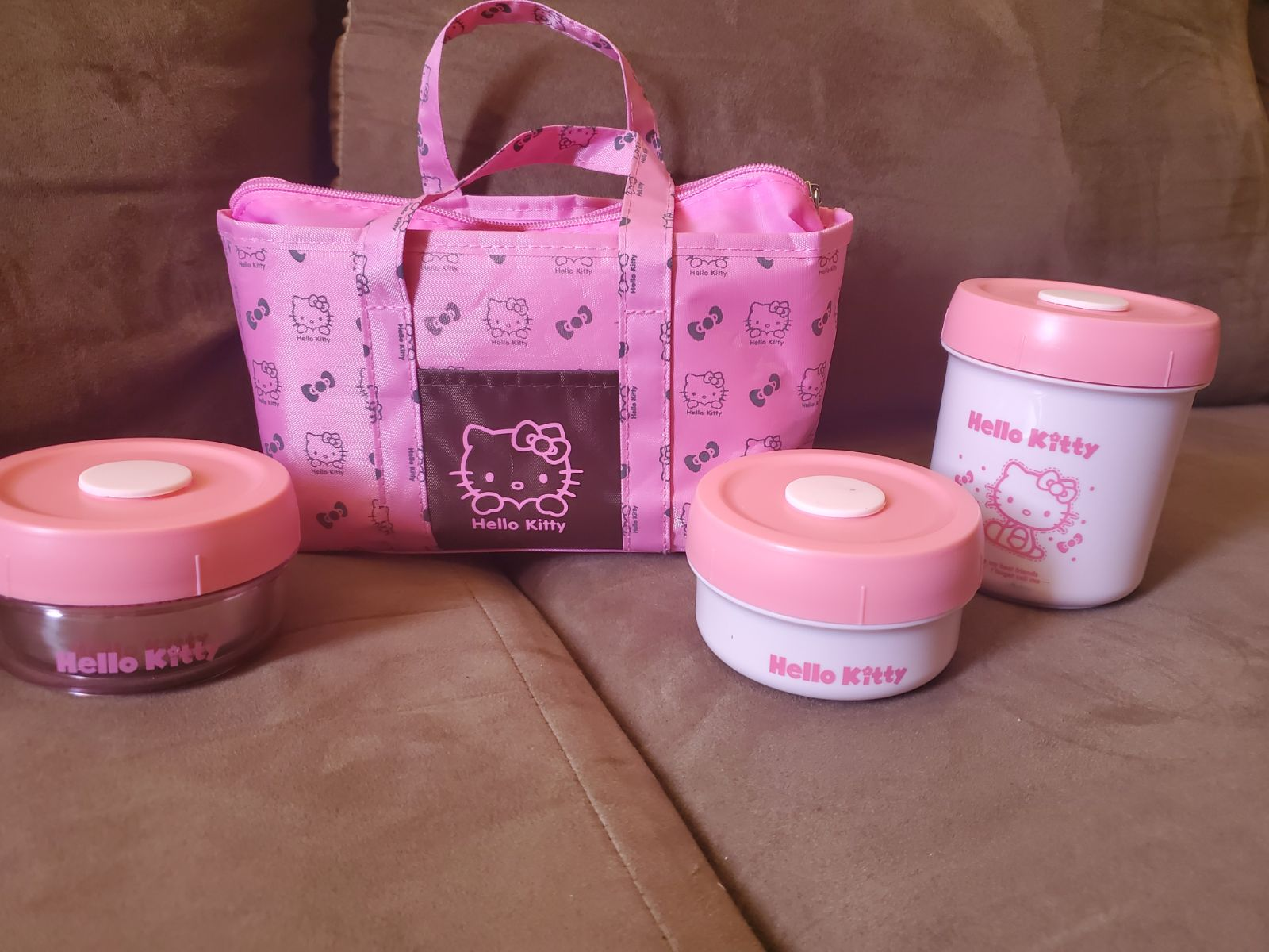Set of 4 hello kitty food safe storage b