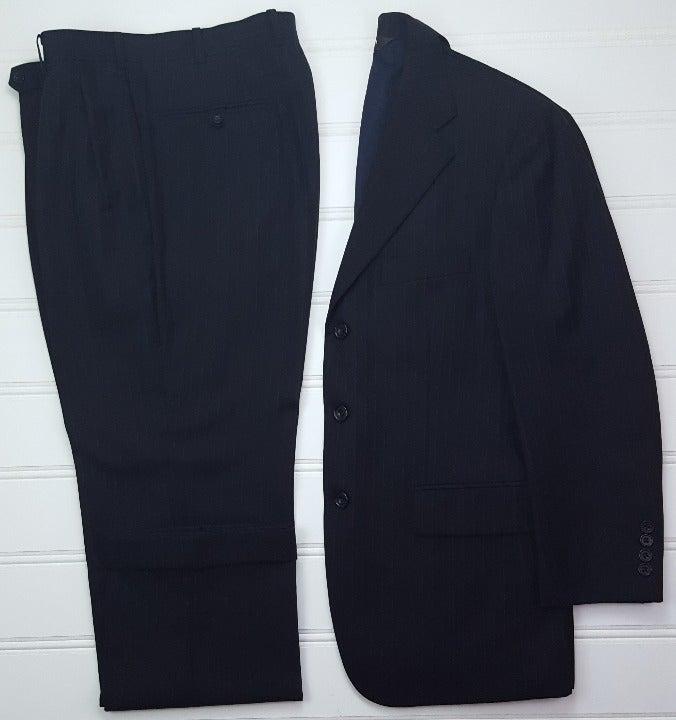Paul Stuart 38R Suit Gray Pinstripe Thre