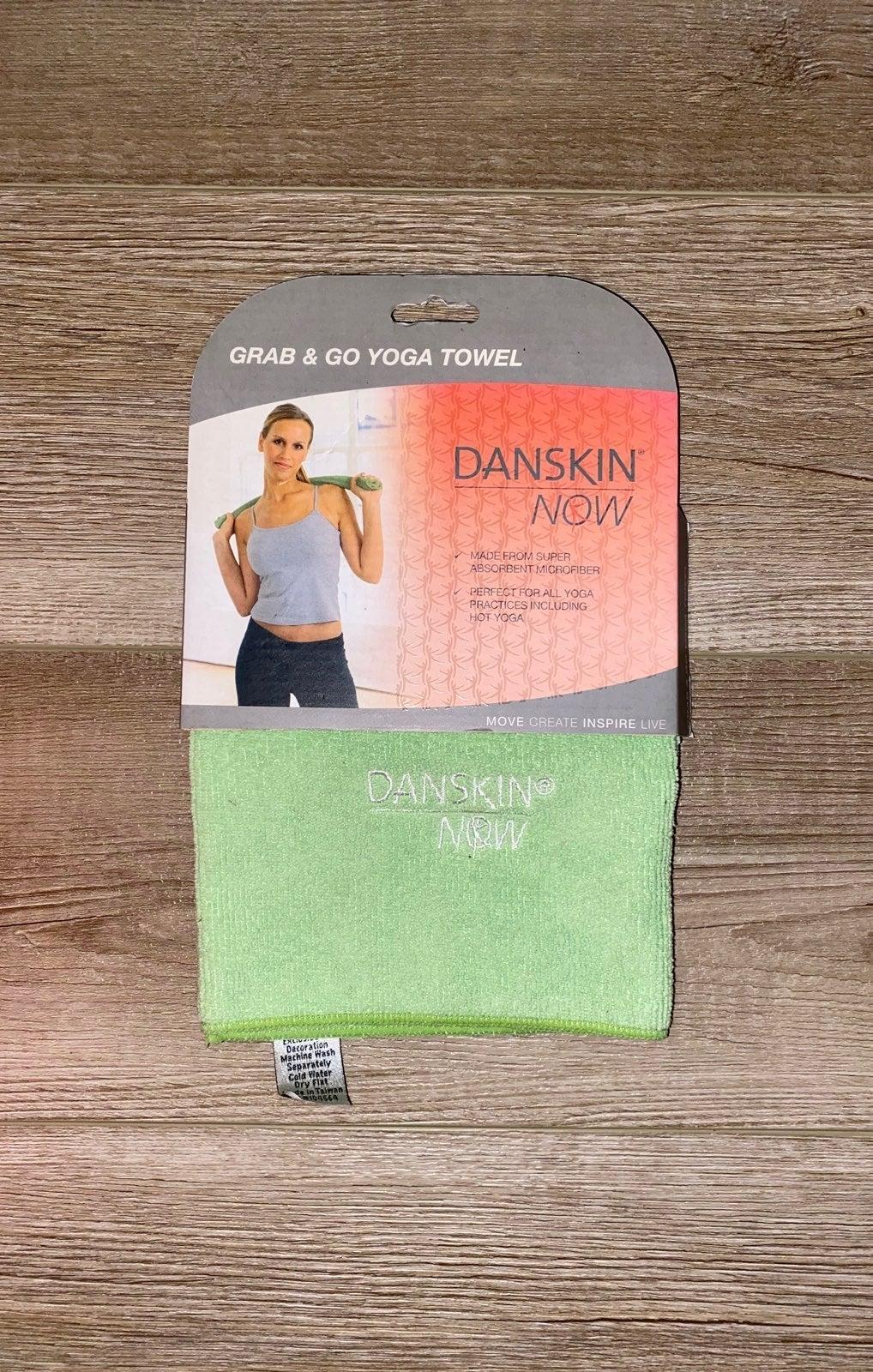Danskin Now Grab & Go Yoga Towel