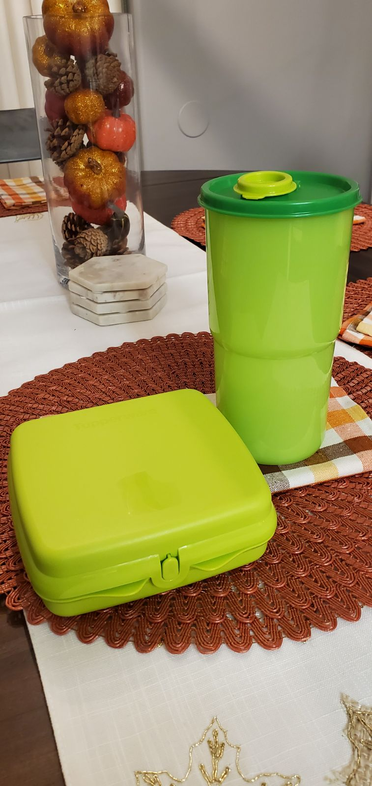 Tupperware green lunch set with tumbler
