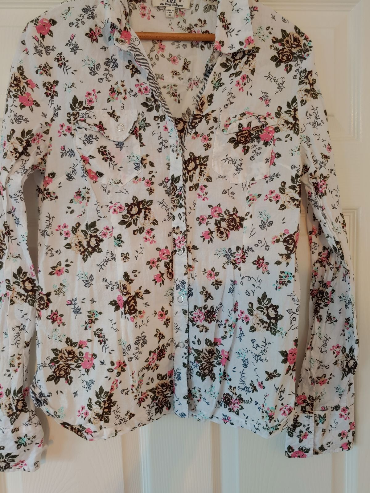 L.E.I. Juniors Cottage Core Blouse