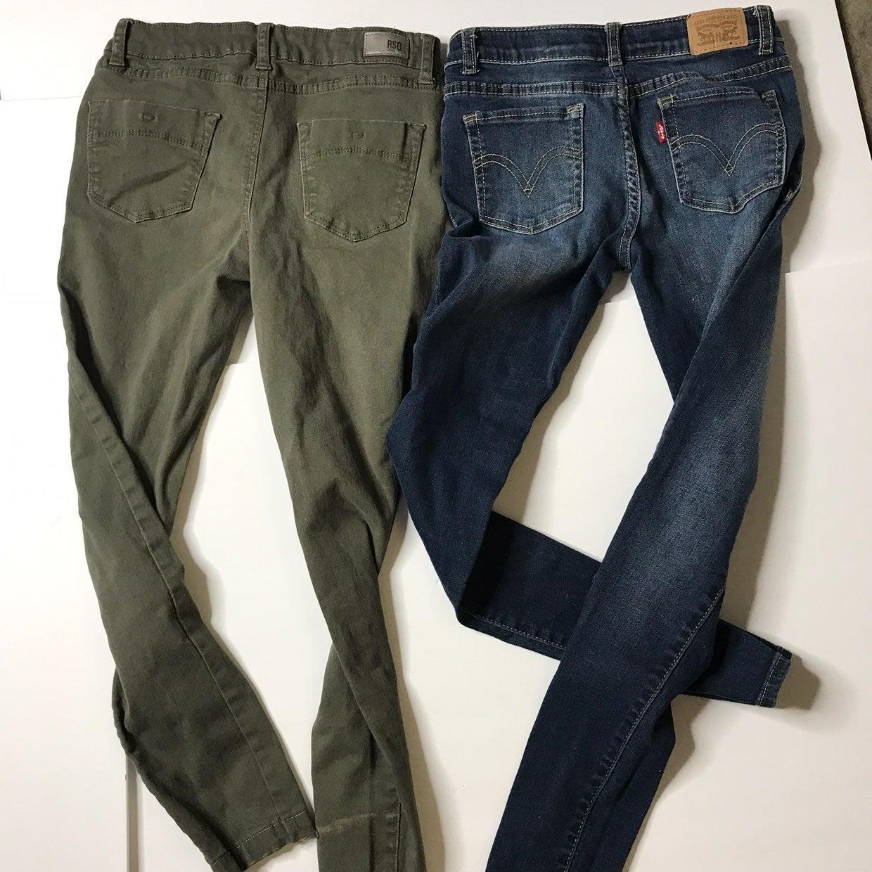 Lot of 2 girls  levis pants size 10 skin