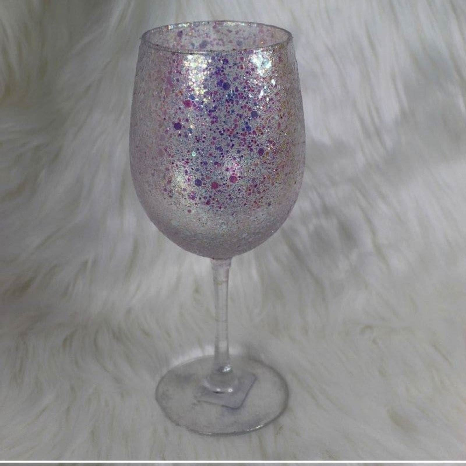 Handmade unicorn glitter wine glass