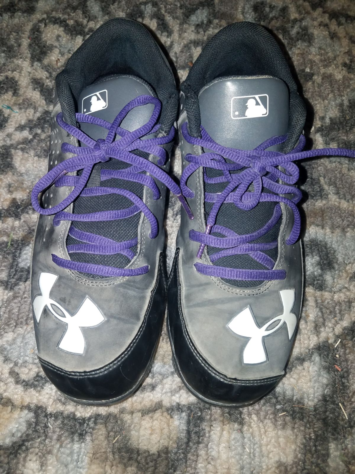 Under Armour softball cleats size 6