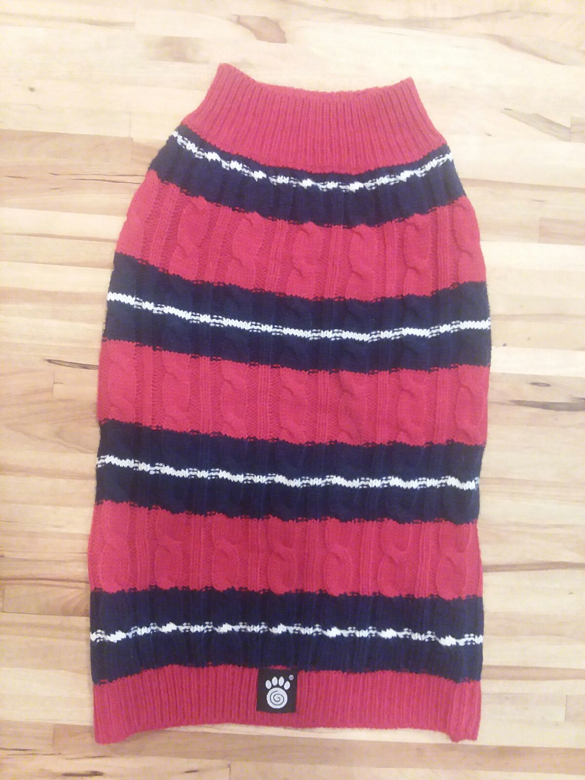 Dog/Cat/Critter cable knit sweater size: