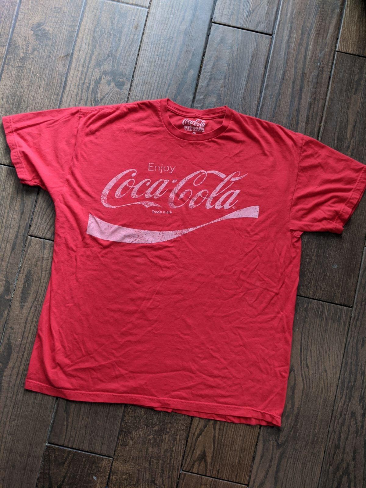 Coca cola short sleeve vintage  tshirt