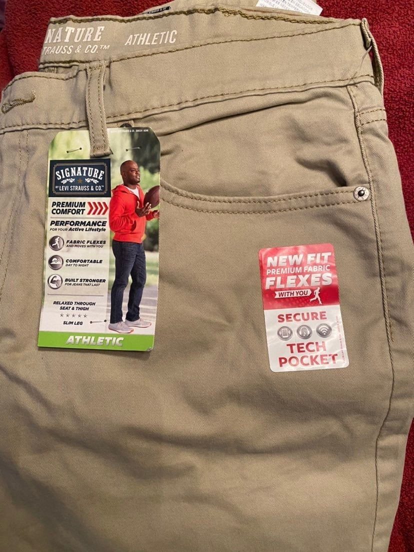 Levi Strauss & Co. Khaki Pants 38/32 NWT