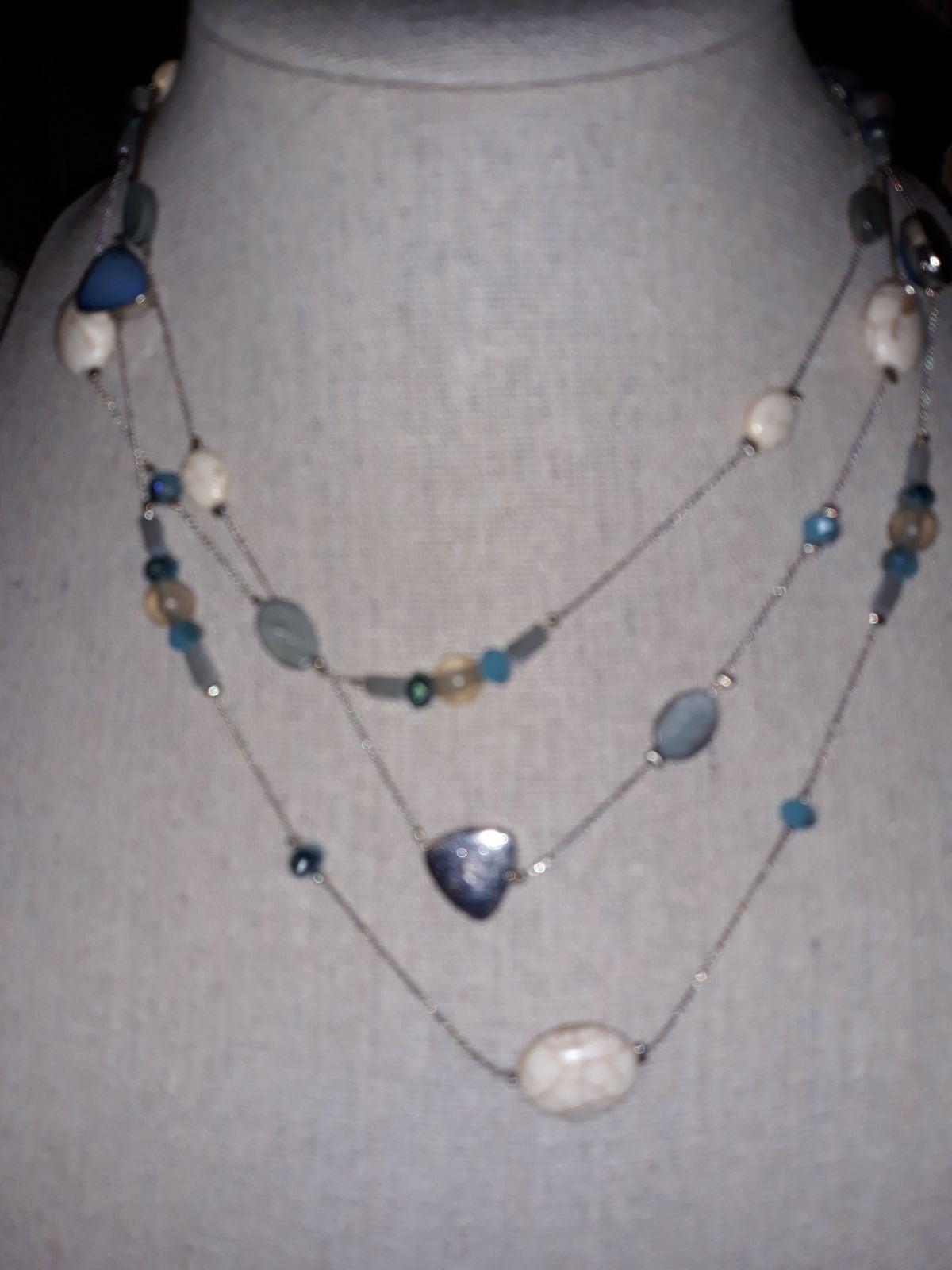 set of necklace & earrings