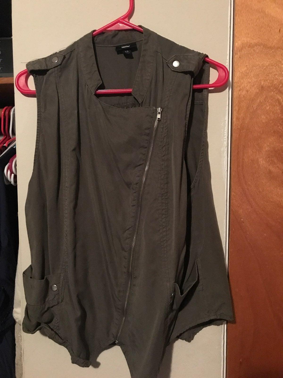 Green Zipper Vest