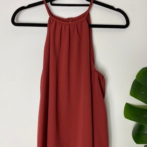 NWT M red abbeline top