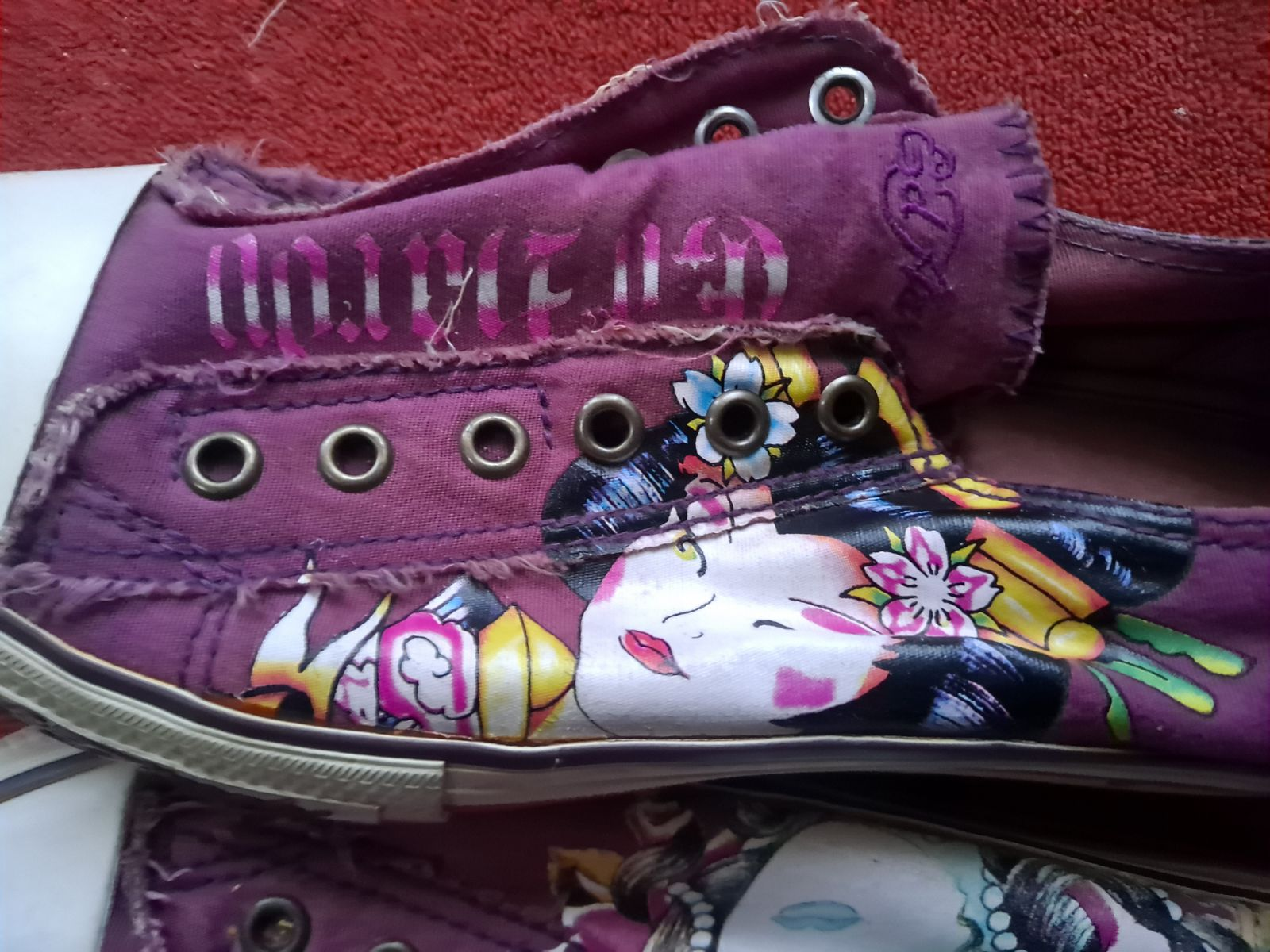 """Woman's Ed Hardy """"Special Edition"""" Sneak"""