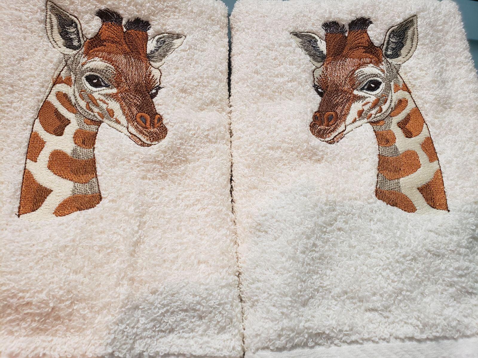 Custom embroidered Calico cat towel set
