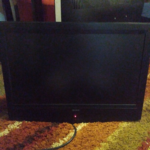 """22"""" flat screen tv. And built in dvd pla"""