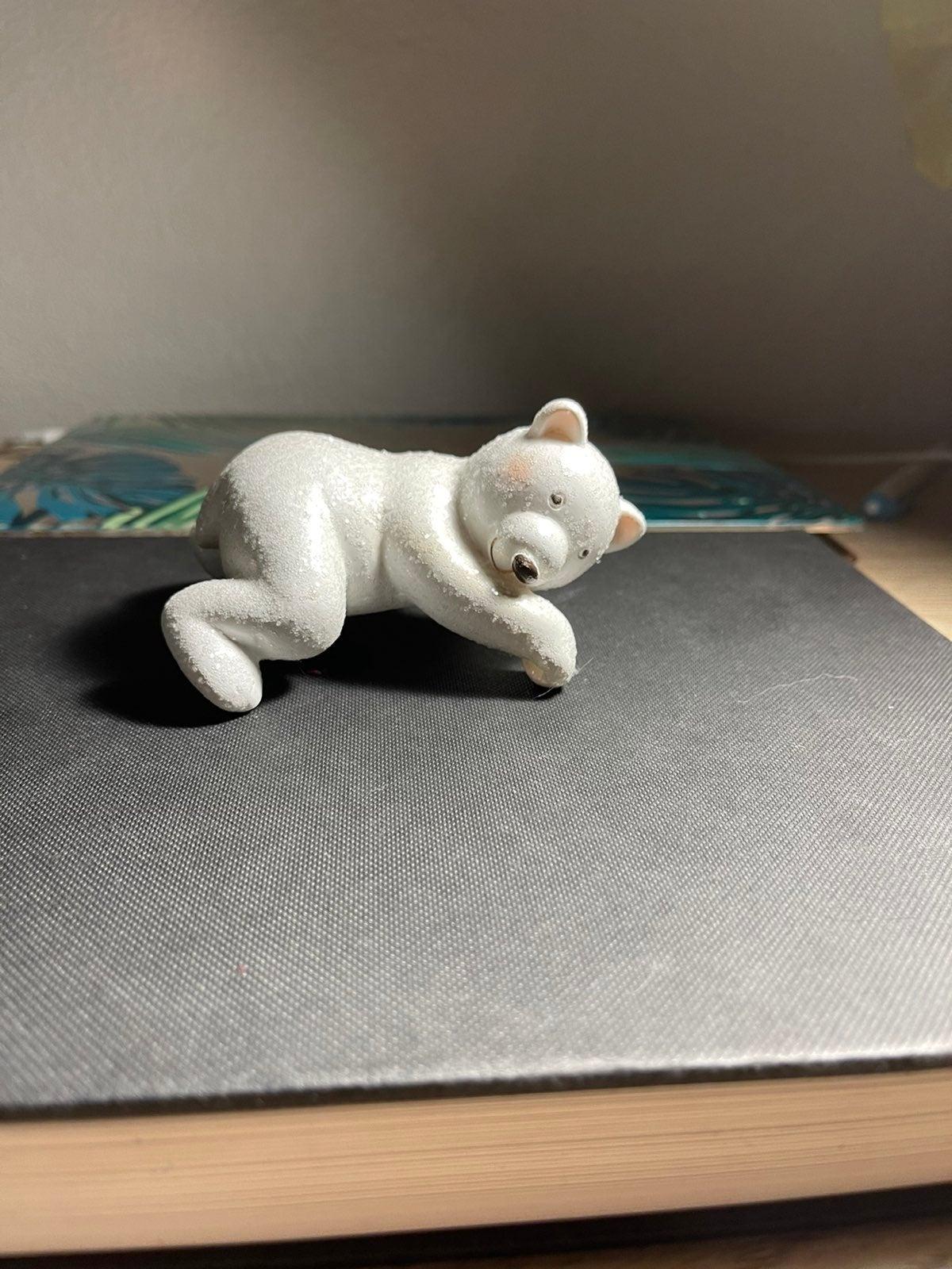 Polar bear candle topper