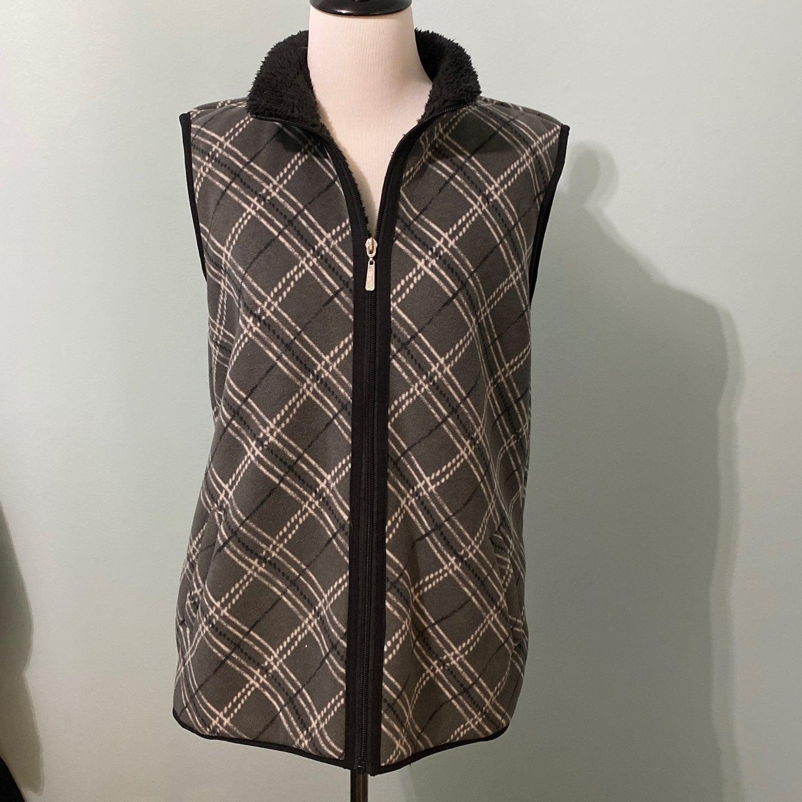 Karen Scott sport plaid fleece vest