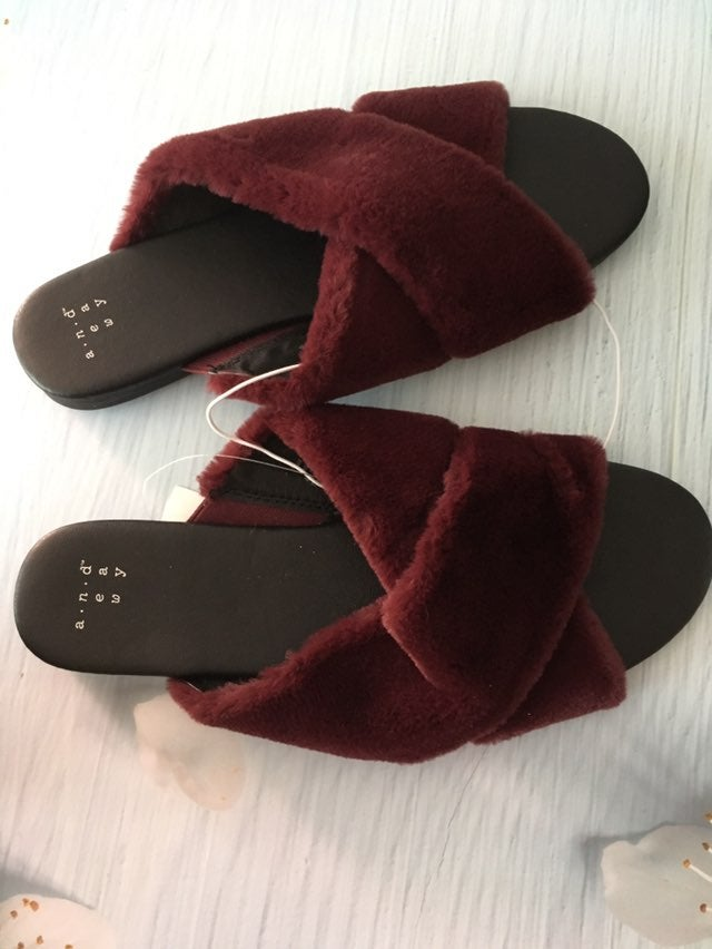 Burgundy Slippers, Size 8